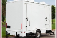 z NEW RESTROOM TRAILER 3